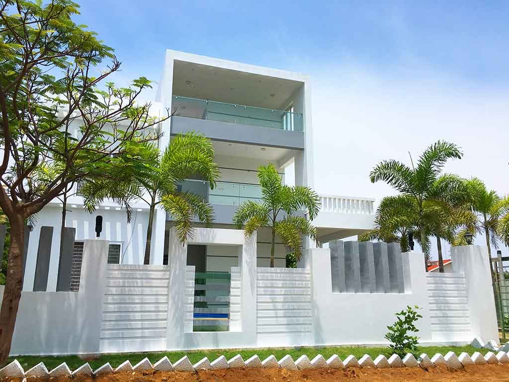 Seaside Villa with Swimming Pool in ECR for Daily Rent