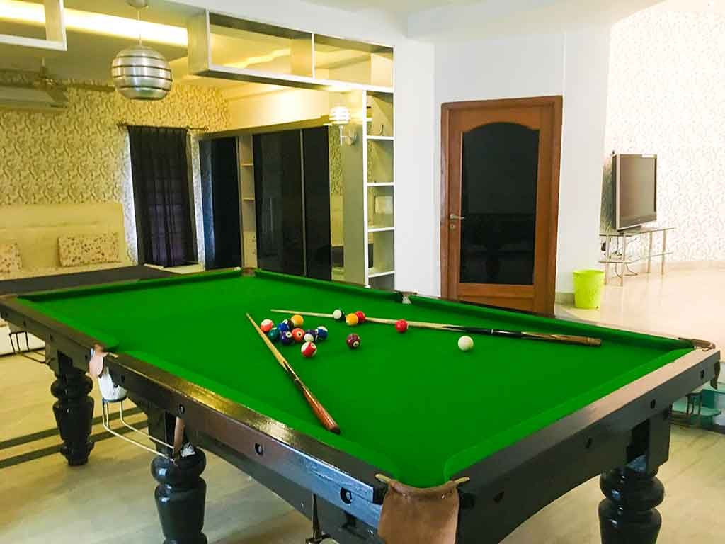 luxury party houses in ecr