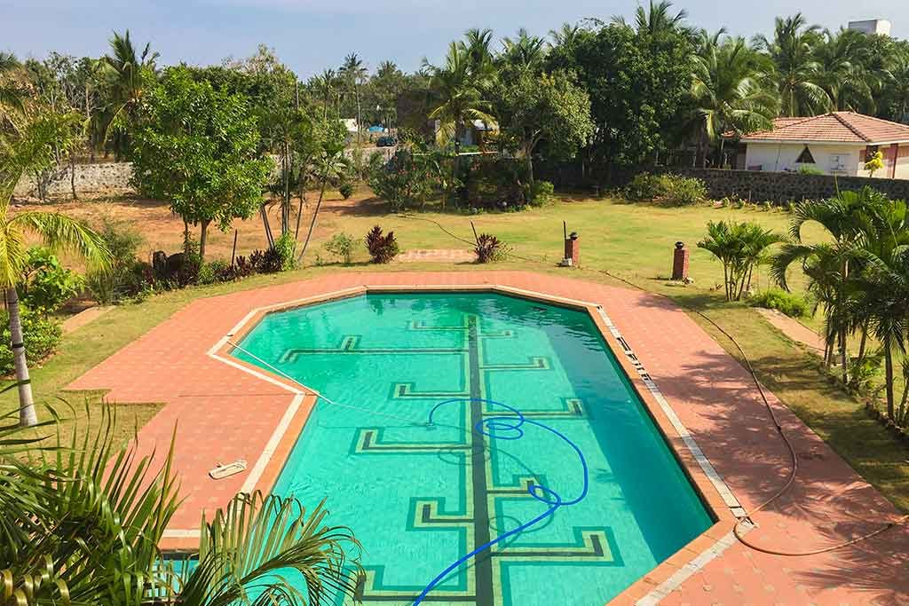 birthday party lawn for rent in ecr